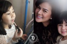 10 Aksi menggemaskan Anabel, anak Astrid Tiar yang pinter makeup