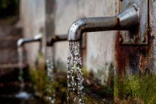 Jakarta & 10 kota ini disebut alami kesulitan air minum, krisis?