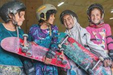 10 Potret skater cewek di Afghanistan, tetap ceria apapun kondisinya