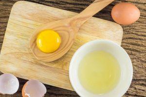 8 Makanan ini sering dikonsumsi mentah padahal aslinya bahaya banget