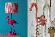 Mau terlihat beda? Percantik hunianmu pakai 8 benda serba flamingo ini