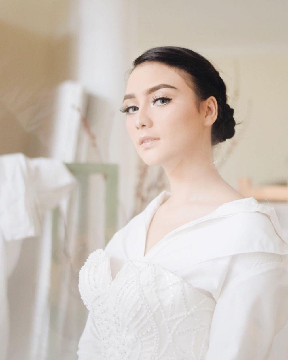 Citra Kirana pemotretan pakai baju pengantin © 2018 instagram