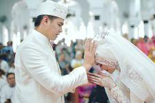 Selain Tommy Kurniawan, 8 seleb ini juga menikah dengan pramugari
