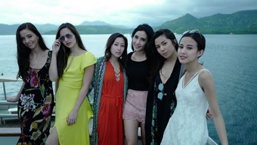 8 Gaya keluarga Bakrie saat liburan bareng, seksi dan glamor