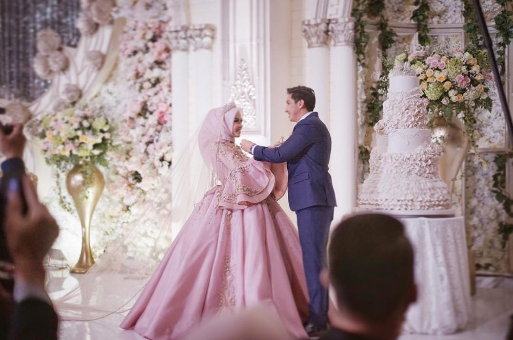Pernikahan 4 Selebgram Cantik Ini Bak Negeri Dongeng Mewah Bange