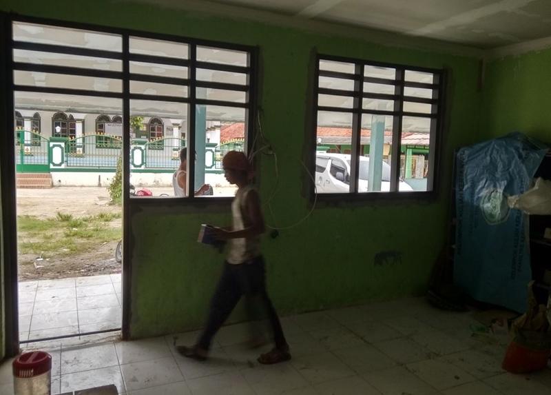 Di sekolah ini para guru hanya digaji Rp7 ribu per bulan, miris banget