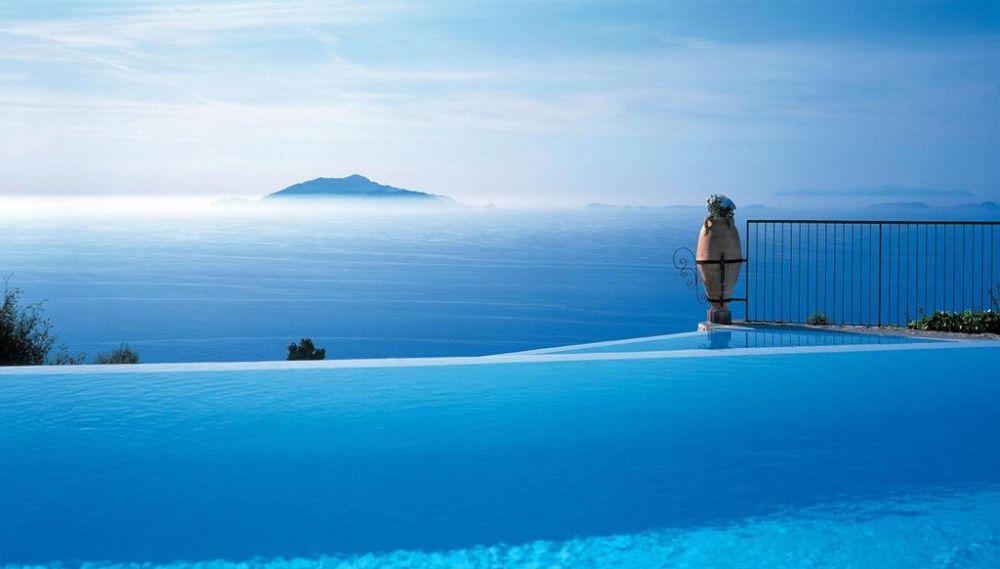 Desain kolam renang terbaik  © 2018 brilio.net