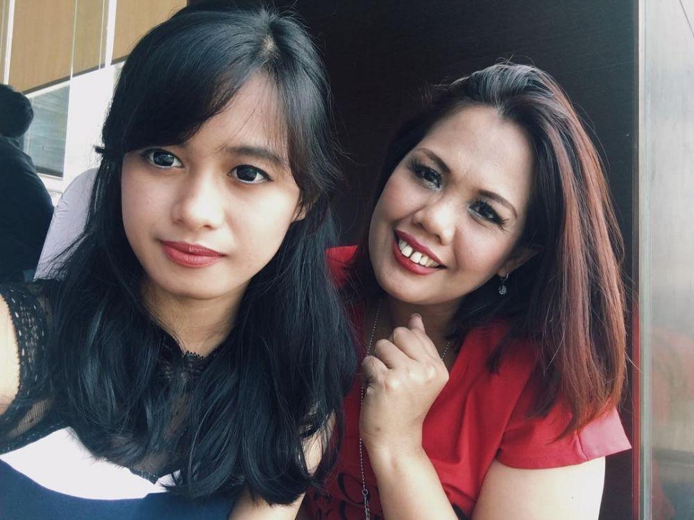 Ely Sugigi dengan putrinya © 2018 brilio.net