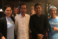 7 Momen Jokowi nonton film Dilan 1990, nostalgia masa SMA