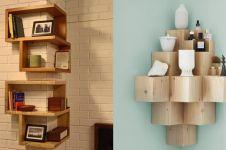 7 Ide desain rak dinding sudut ruangan yang nggak biasa, kece banget!