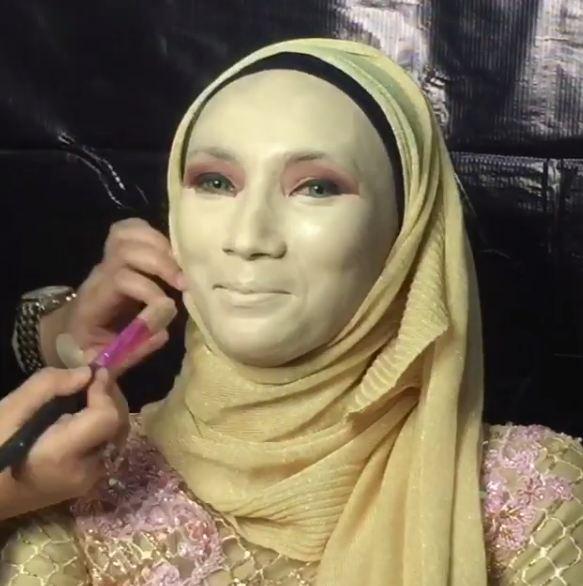 makeup awalnya aneh © Instagram/@preciouseventplanner_