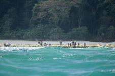 4 Tempat berbahaya ini mustahil untuk kamu kunjungi, ada pulau kanibal