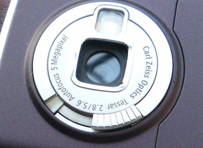 7 Evolusi kamera HP, dari resolusi kurang dari 0,1 MP sampai libas DSLR berbagai sumber