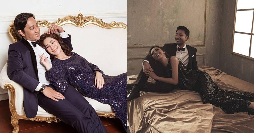 5 Gaya pemotretan seleb tiduran di pangkuan suami, mesra paripurna