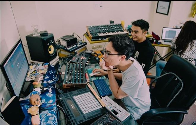 jadi produser musik © 2018 brilio.net