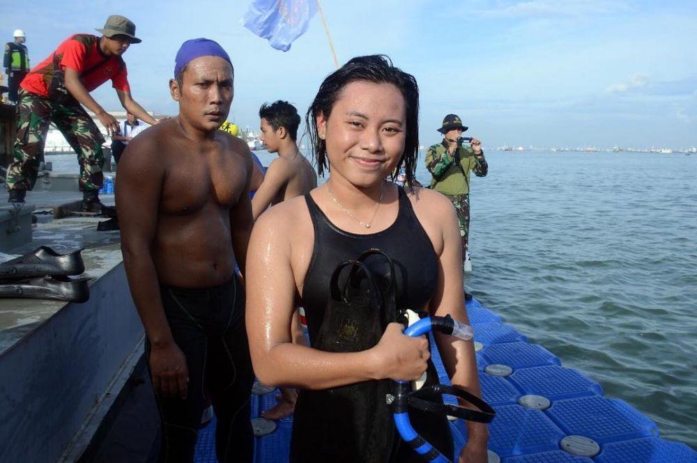 Potret 2 tentara cantik yang berenang 39 km taklukkan Selat Sunda © 2018 brilio.net