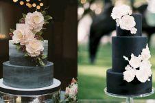 8 Kreasi wedding cake hitam ini berbeda dan elegan banget