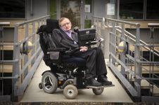 5 Pernyataan Stephen Hawking yang mengejutkan dan kontroversial