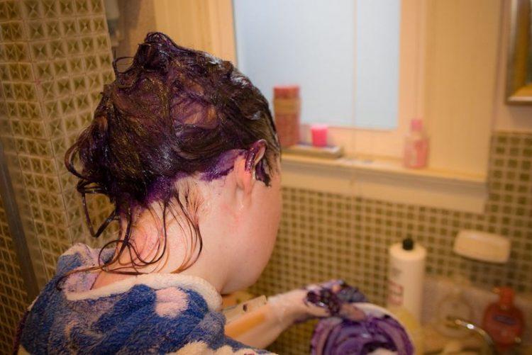 10 Tahun gonta-ganti warna rambut, yang dialami wanita ini mengerikan