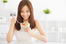 7 Cara hidup sehat yang nggak pakai susah, tetap bisa makan manis