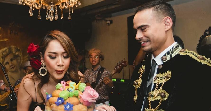 Bikin heboh, Ari Lasso cium bibir Ashraf di pesta ulang tahun BCL