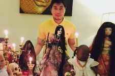 Bikin merinding, ini 7 potret koleksi boneka mistis milik Roy Kiyoshi