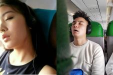 Terlelap saat penerbangan, 7 momen seleb terpotret sedang tidur mangap