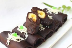 Ini cara mudah bikin dadar gulung cokelat isi pisang, manis dan lezat