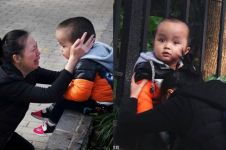 Fotonya viral, kisah ibu menangis di depan anaknya ini bikin terenyuh