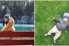 Pose imut 5 anak seleb pakai sweater saat liburan ini ngegemesin parah