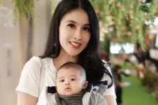 Potret imut bayi Sandra Dewi usai divaksin, tetap ceria menggemaskan