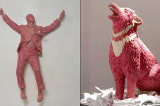 7 Karya patung ini terbuat dari permen karet, kreatif abis