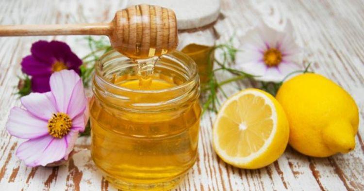 5 Manfaat kombinasi perasan lemon dan madu yang sehat bagi tubuh