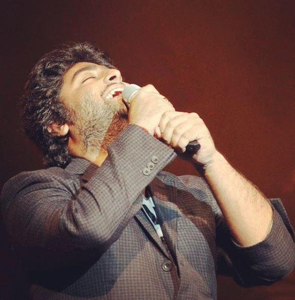10 Potret Arijit Singh, penyanyi asli lagu Tum Hi Ho yang booming abis © Instagram/@arijitsingh__