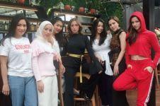 5 Pemotretan terbaru Chaca Fredrica berhijab bareng Girl Squad