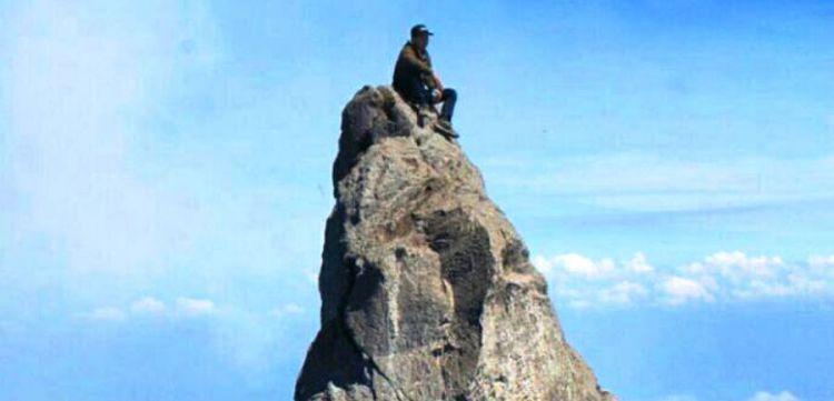 aksi nekat wisatawan gunung © berbagai sumber