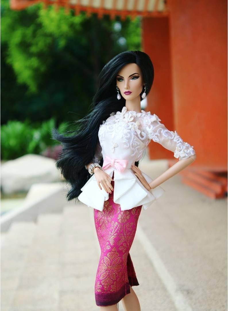 10 Potret boneka Barbie © 2018 Instagram