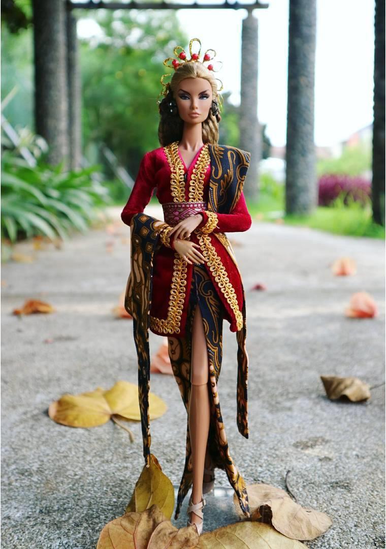 10 Potret Boneka Barbie Berbusana Kebaya Ini Cantiknya Ngalahin M Barby 2018 Instagram