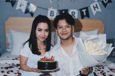 Sebulan lebih menikah, istri Ilham SM*SH umumkan kehamilannya