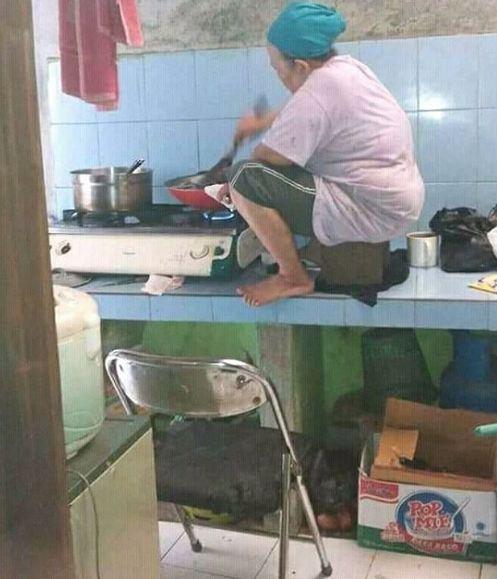 emak masak kocak © 2018 brilio.net