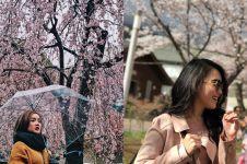 5 Beda gaya Ayu Ting Ting dan Cita Citata saat liburan di luar negeri