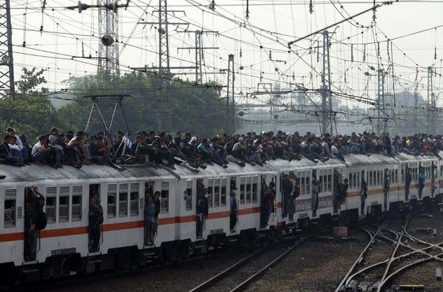 kereta api zaman old istimewa