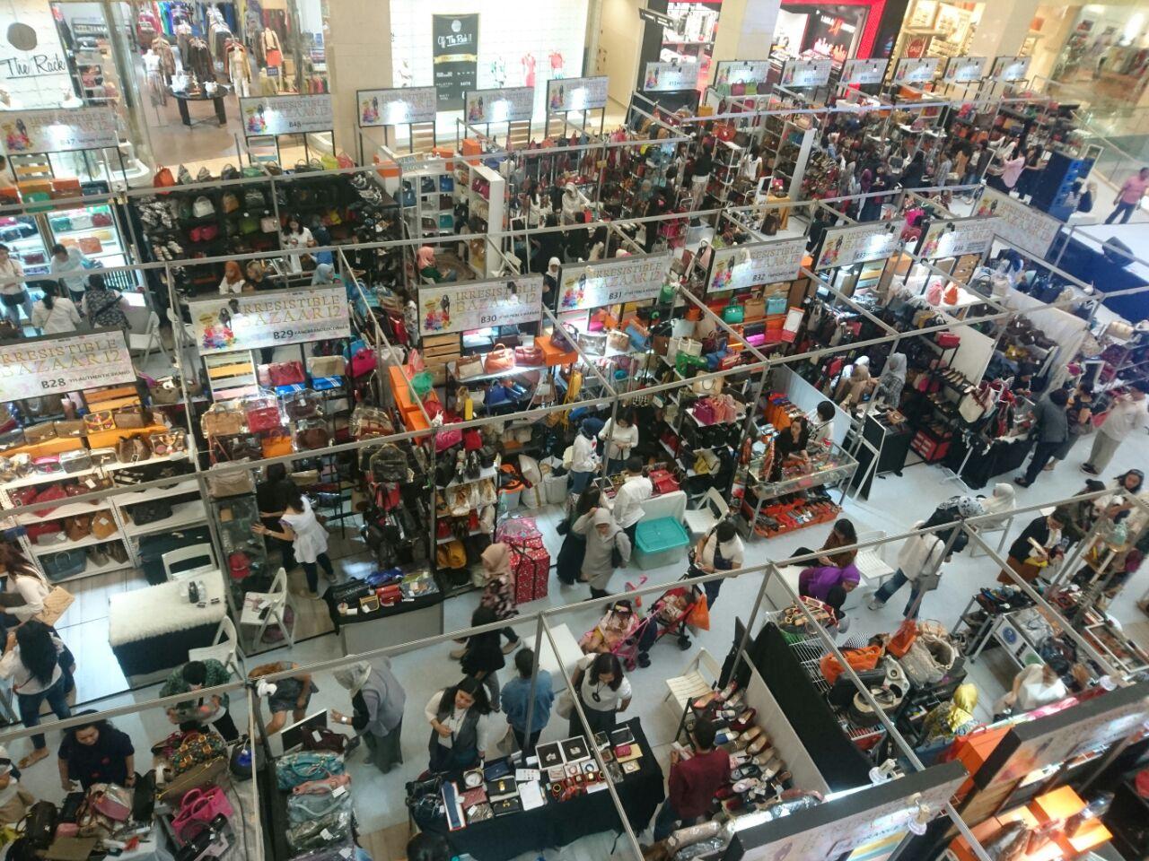 Bazar barang second ini 12 kali digelar tetap ramai, rahasianya simpel