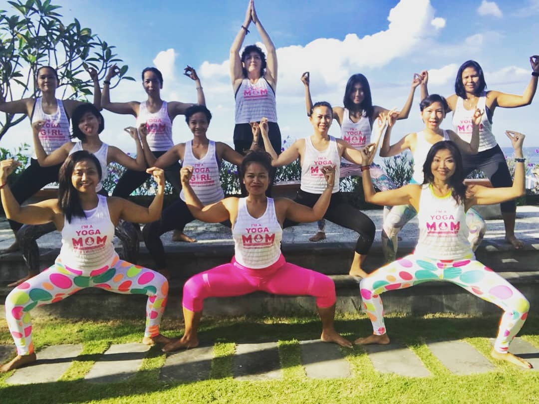 Kenapa para bule suka banget lakukan yoga di Bali? Ini alasannya