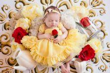 10 Potret newborn tema Disney ini bikin bayi mirip princess, duh gemas