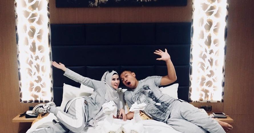 Dua bulan menikah, Vicky Prasetyo umumkan kehamilan Angel Lelga