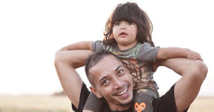 Jadi relawan di Suriah, begini 6 potret Fauzi Baadila & anak pengungsi