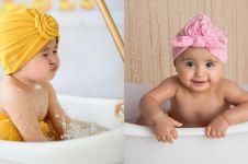 10 Pemotretan bayi tema mandi, ekspresi main airnya bikin pengen cubit