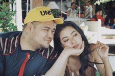 Tampil cantik dengan kerudung, kekasih Ivan Gunawan dipuji selangit