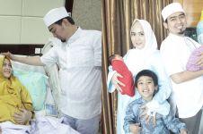 Dikaruniai bayi kembar, ini 7 potret kebahagiaan Ustaz Solmed & istri